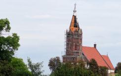 Więcej o: Remont wieży kościelnej zabytkowego kościoła w Stawiszynie