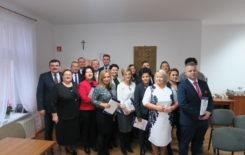 Więcej o: Uroczyste wręczenie zaświadczeń o wyborze Burmistrza Stawiszyna oraz Radnych Rady Miejskiej w Stawiszynie